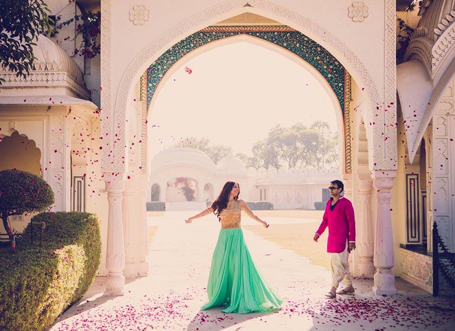 Pick The Wardrobe For Your Pre Wedding Shoot Fashion Weddingsutra