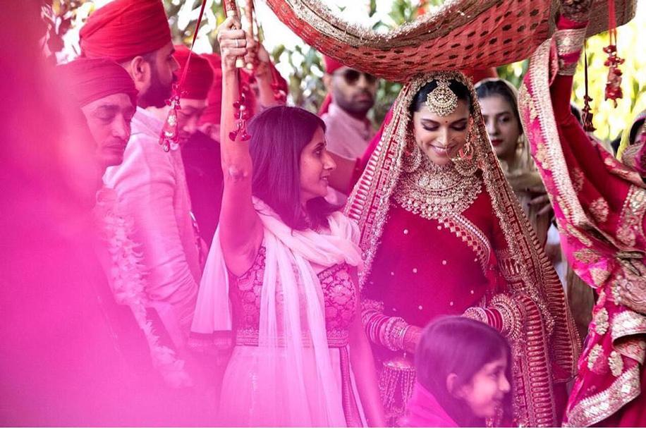 Deepika Padukone's Bridal Look by Sabyasachi Mukherjee