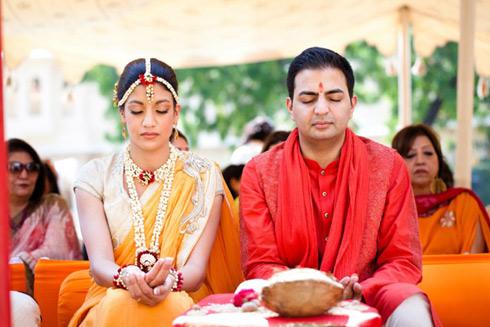 Flower Jewellery For Mehndi Uk : Taran & samit udaipur rajasthan