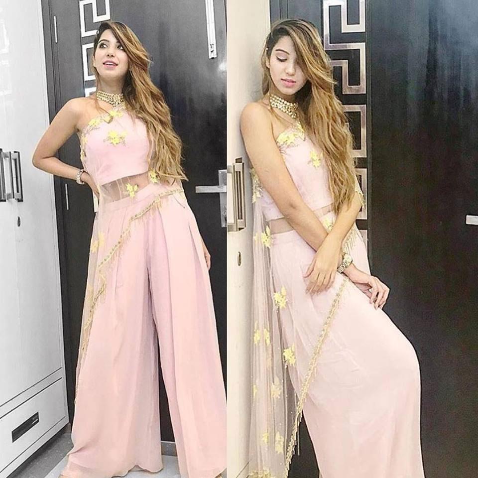 Stage 3 Fashion Rental Service Rent Designer Wedding Outfits Delhi Ncr Weddingsutra Favorites