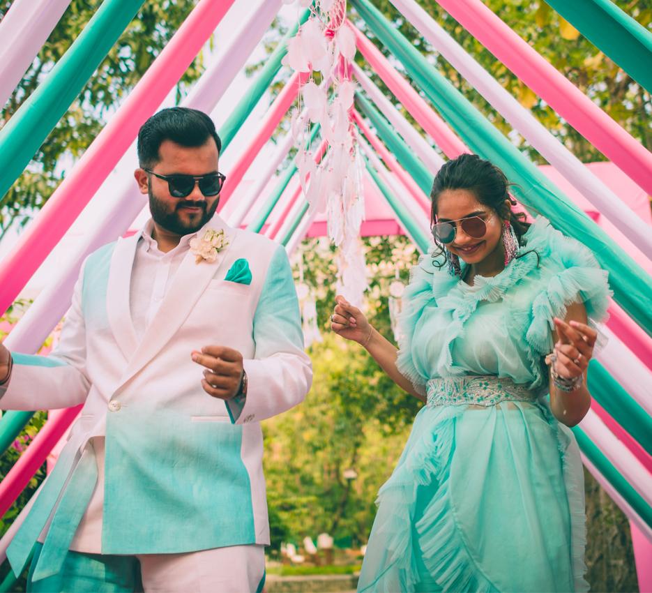 This joint bachelor/ bachelorette celebration near Mumbai set new #partygoals!