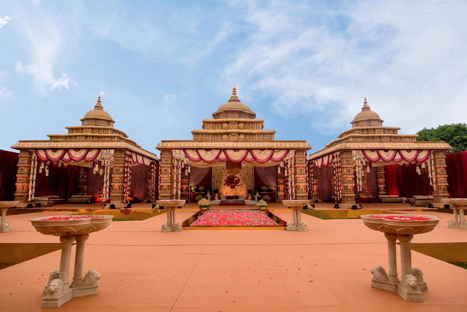 Madurai's Vandiyur Mariamman temple