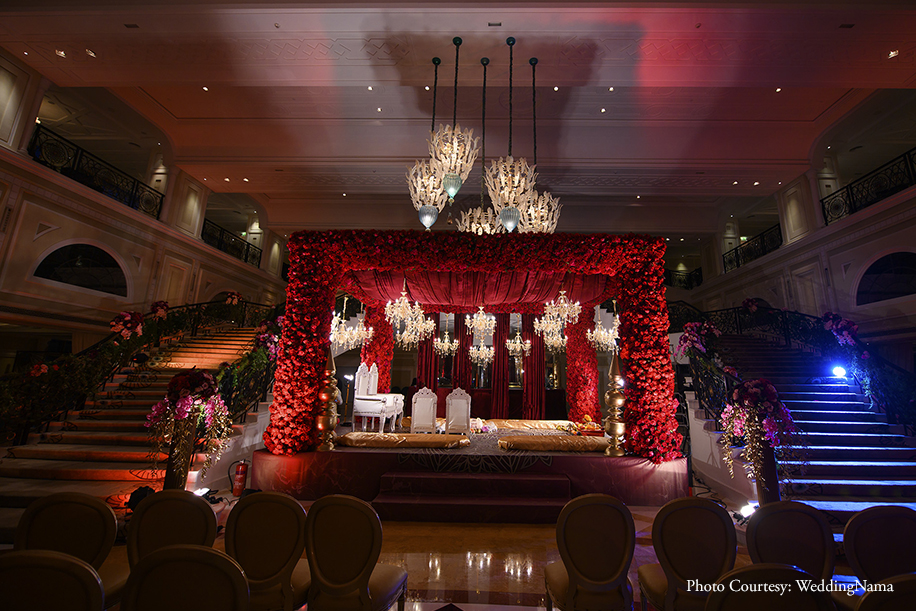 Wedding floral red decor